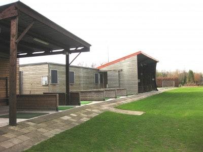 Oefenfaciliteiten golfpark weilenseind for Verlichte driving range